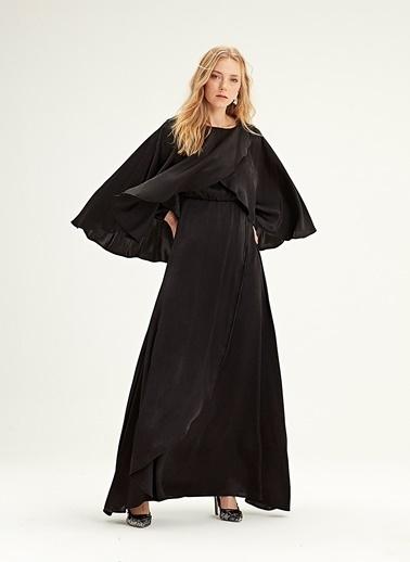 Mizalle Pelerinli Elbise  Siyah
